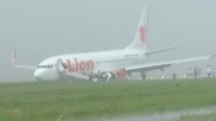 lion-air-jt-714-tergelincir-di-bandara-supadio-pontianak